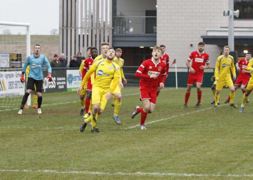 Action from Stamford AFC v Frickley Athletic. Photo: Geoff Atton EMN-160216-093037001