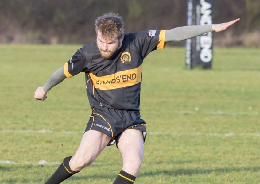 Callum Crellin scored 20 points for Oakham in their 35-30 defeat at Old Laurentians on Saturday.