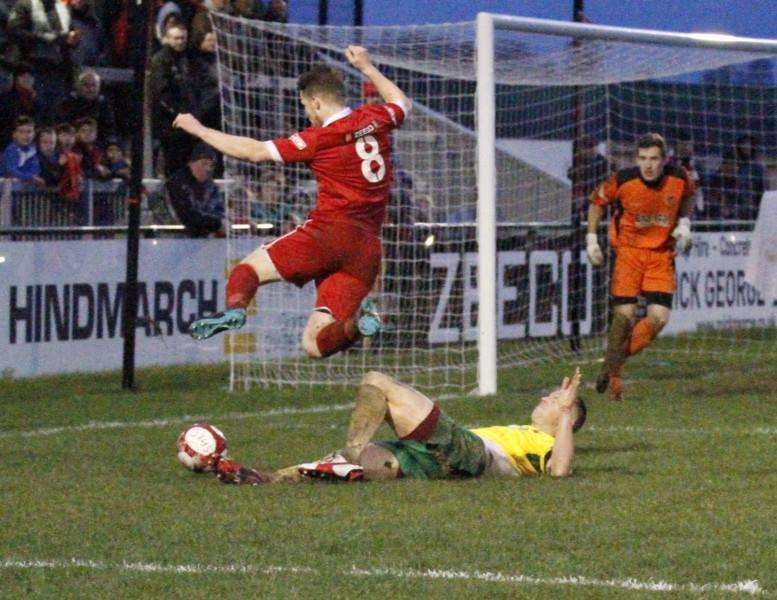 Action from Stamford AFC's 2-2 draw with Stourbridge. Photo: Geoff Atton EMN-160113-092956001