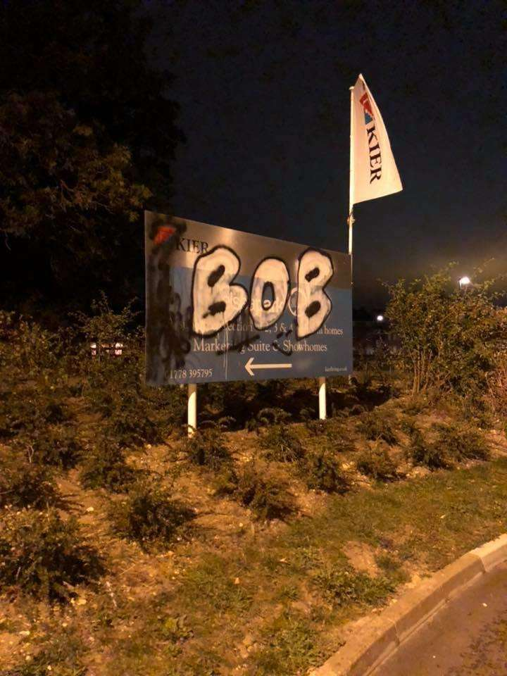The word Bob appeared at various locations around Bourne
