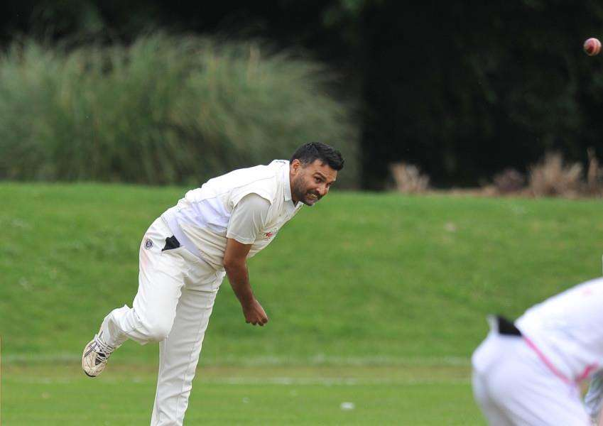 Ajaz Akhtar took five wickets for Market Deeping against Lincoln.