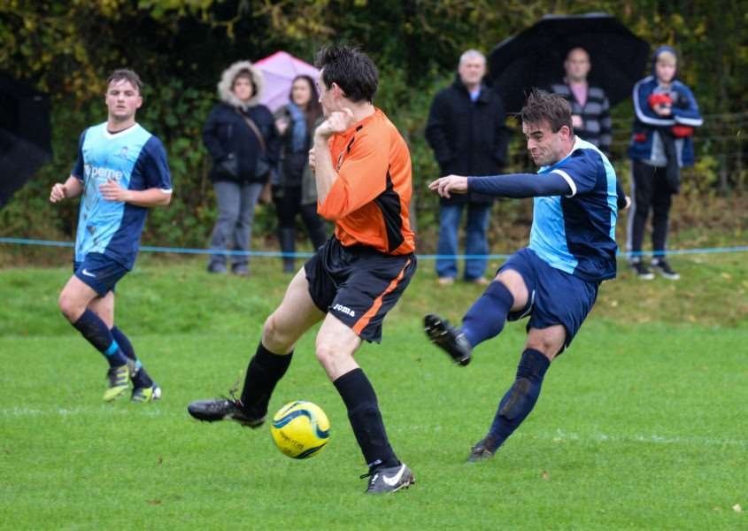 Ketton FC in action against Leverington Sports. Photo: Alan Walters EMN-151026-114058001