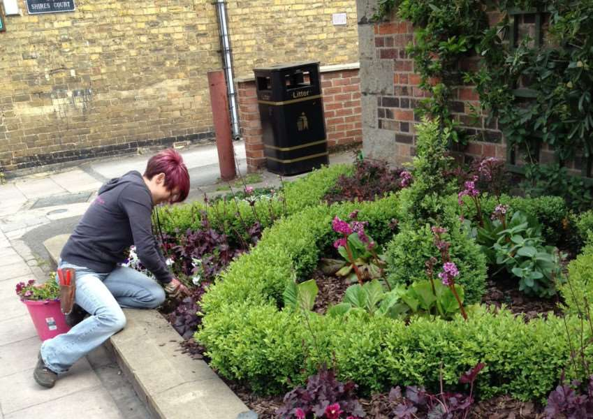 Bourne in Bloom - work on beds in South Street