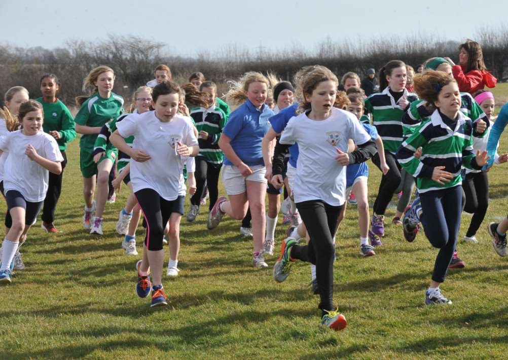 Cross country at Stamford welland Academy. Year 5-6 girls action EMN-150703-202926009