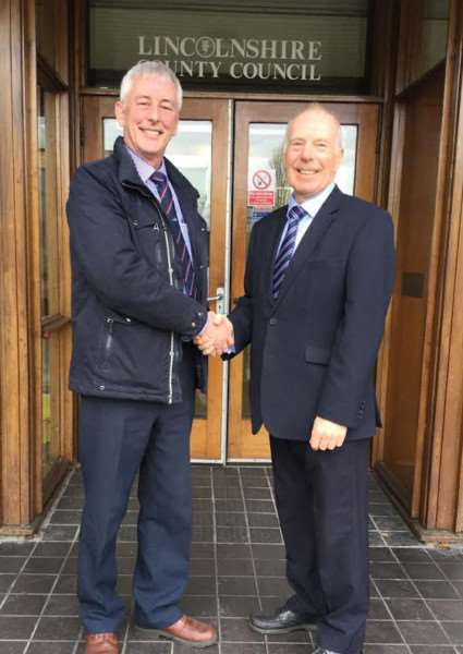 Former UKIP county councillor Robert Foulkes pictured with Conservative councillor for Stamford West David Brailsford EMN-161213-094836001