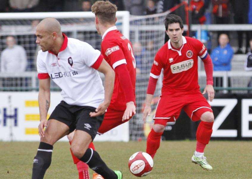 Action from Stamford AFC v Salford City. Photo: Geoff Atton EMN-161204-112217001